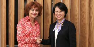 María Peña, consejera delegada de ICEX España Exportación e Inversiones, y Angel Zhao, presidenta de Alibaba Global Business Group.